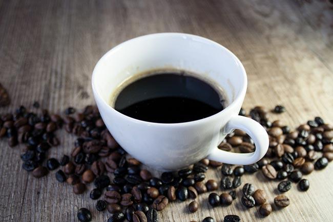 avoid-caffeine-before-bedti